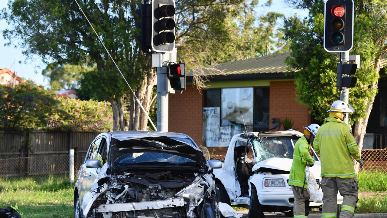 Two vehicle traffic crash at the intersection of Boat Harbour Drive and Denmans Camp Rd. Photo: Alistair Brightman