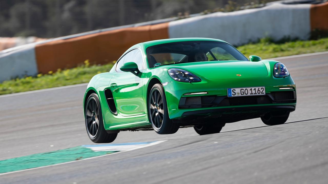 Owners will be delighted by the Cayman's exhaust sound.