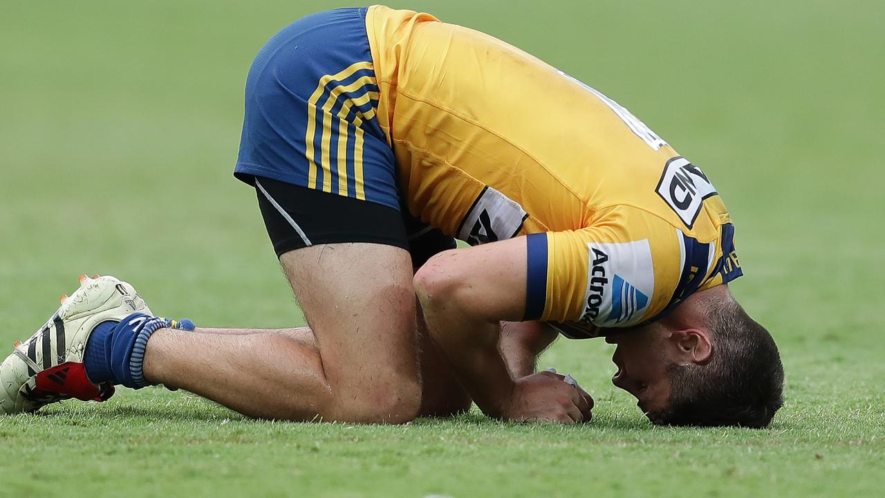 PERTH, AUSTRALIA - FEBRUARY 15: Mitch Moses of the Eels reacts after losing the first semi final against the Dragons during Day 2 of the 2020 NRL Nines at HBF Stadium on February 15, 2020 in Perth, Australia. (Photo by Will Russell/Getty Images)