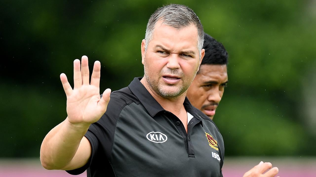 BRISBANE, AUSTRALIA - FEBRUARY 11: Coach Anthony Seibold gives direction during a Brisbane Broncos NRL training session on February 11, 2020 in Brisbane, Australia. (Photo by Bradley Kanaris/Getty Images)