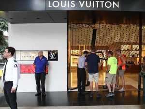 Definitely ain't LV: Accused's accessory offer fails