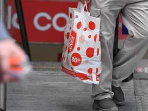 Man takes Coles to court for refusing to use his grocery bag