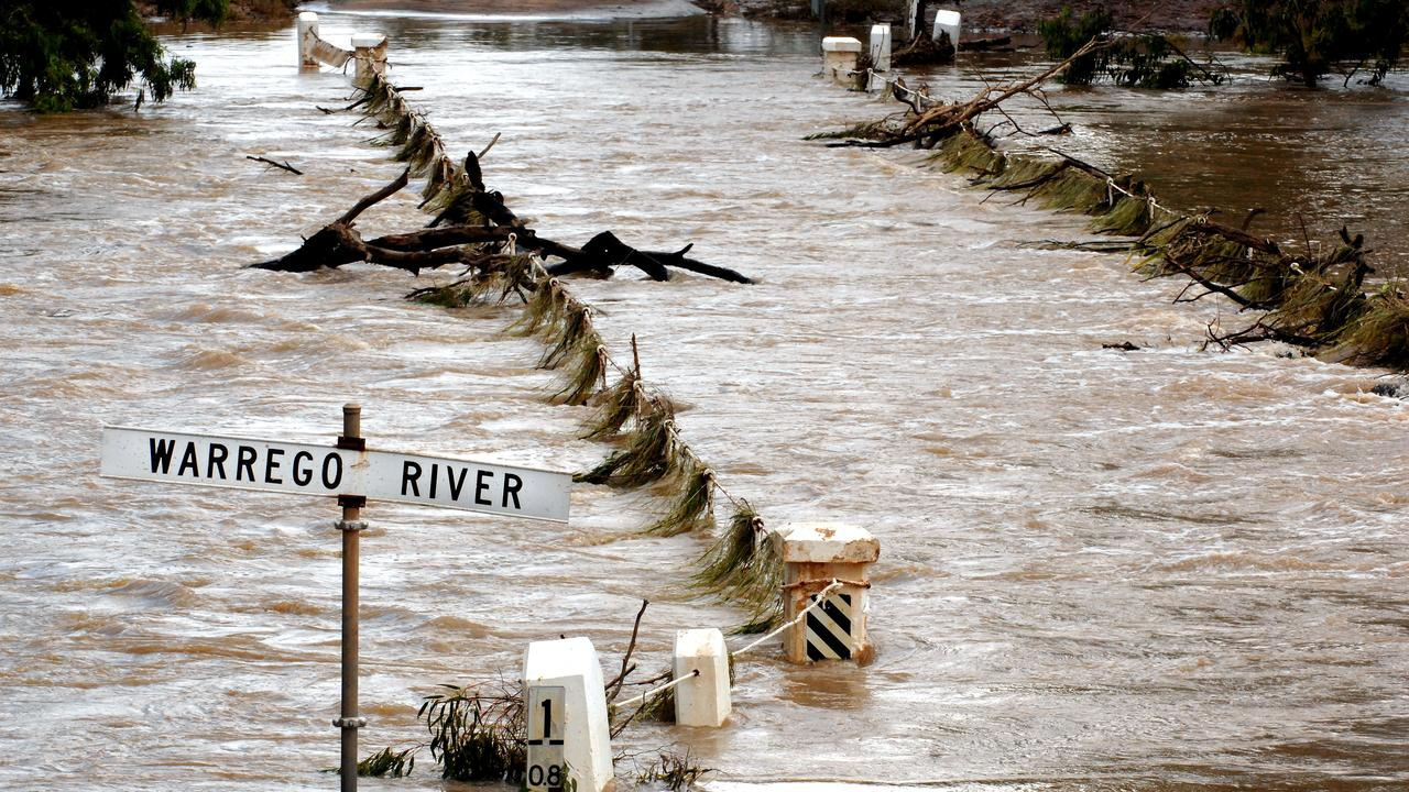 The Warrego River is expected to hit a flood peak of 6m or more this afternoon.