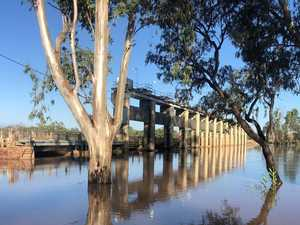 Major flood levels expected this morning