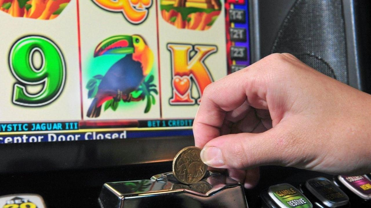 A rally failed, a petition failed, but now opponents hope the State Government will block pokies at a major shopping centre.