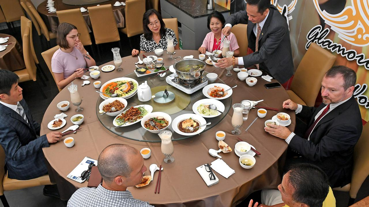 Taiwanese community leaders and politicians meet over lunch to discuss how to deal with the business impacts of coronavirus around the Sunnybank area. (AAP image, John Gass)