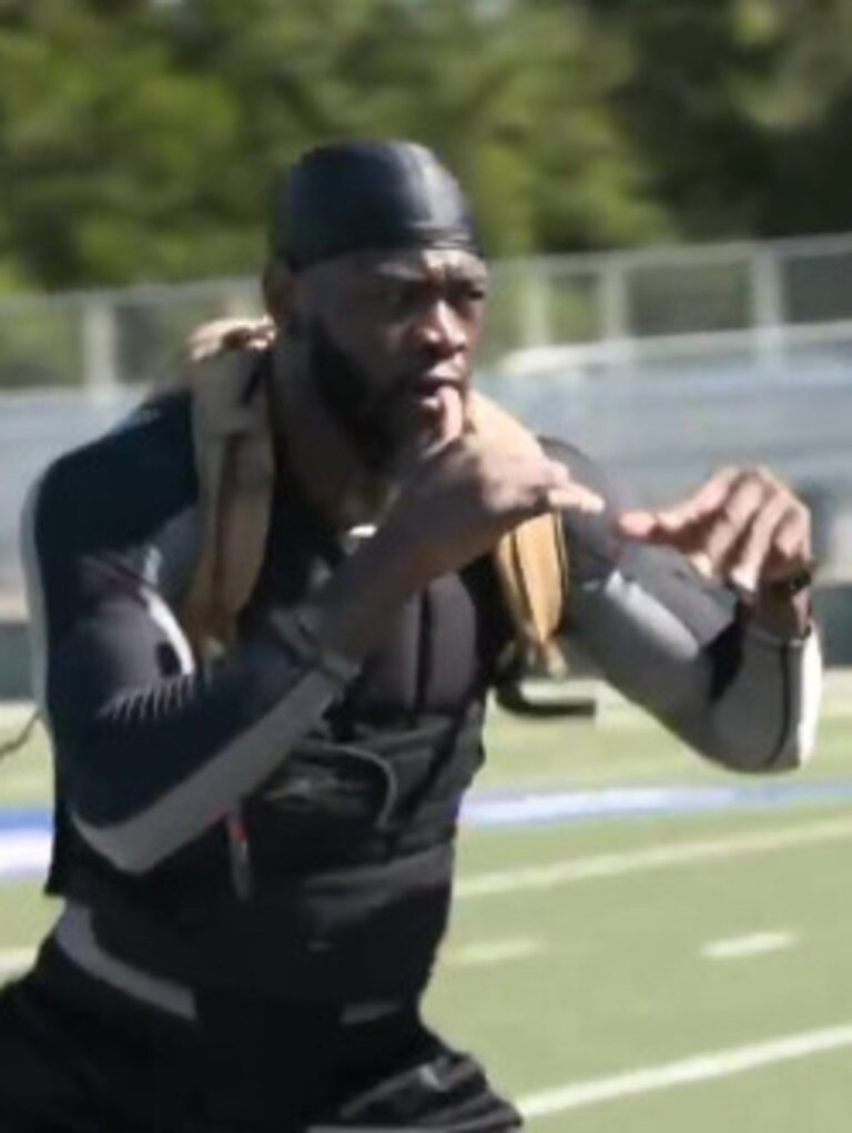 Wilder training with the extra weight.