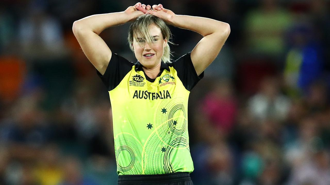 Ellyse Perry left the field to seek treatment on a hip knock during Australia's win over Bangladesh.