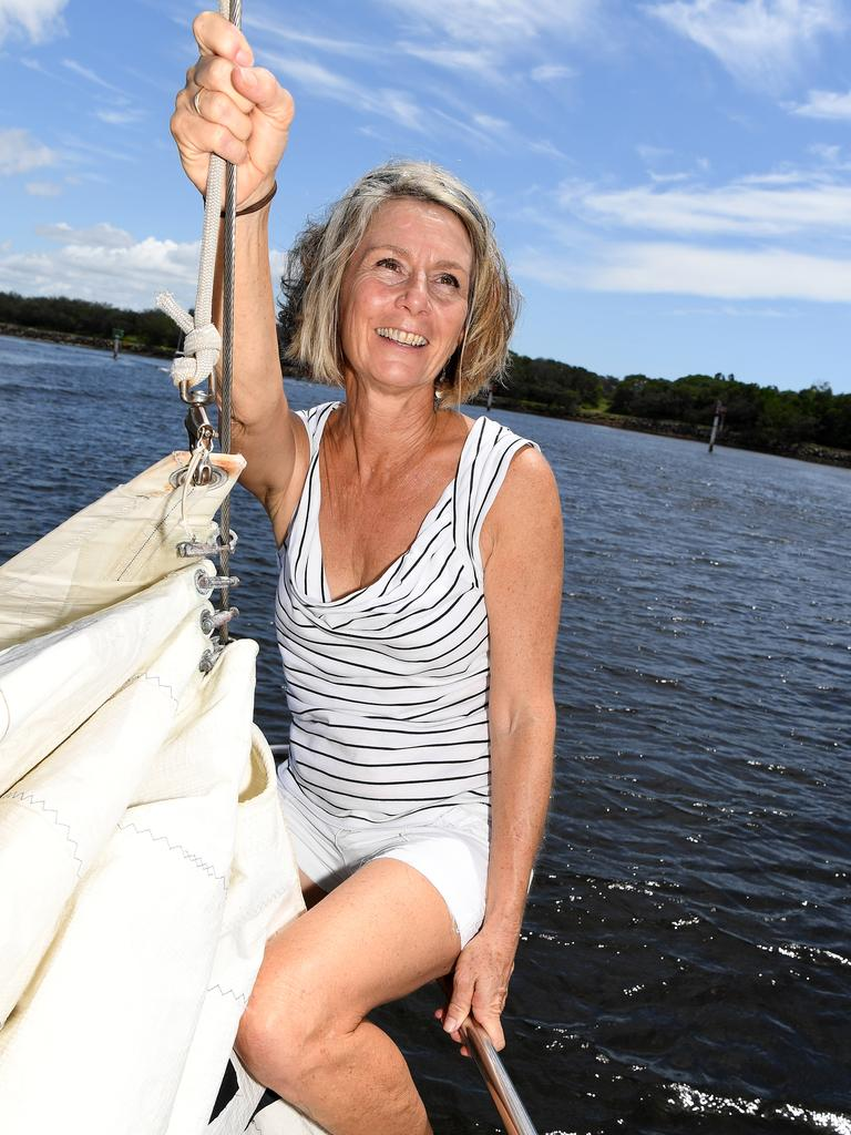 Maree Machin reuses sails from yachts around the country to make tote bags.