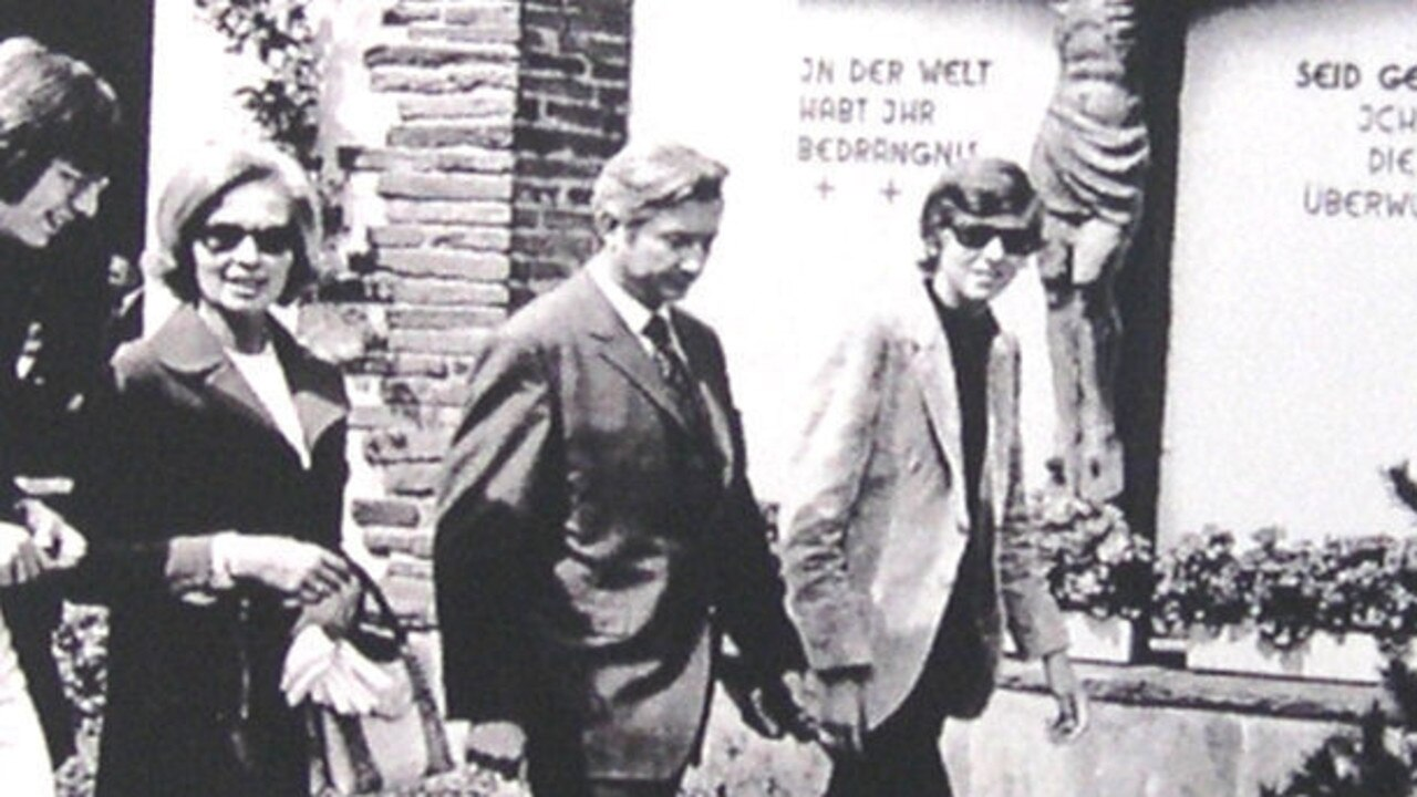 Cäcilie Albrecht pictured with her sons Theo (second from left) and Berthold a year after Theo's kidnapping.
