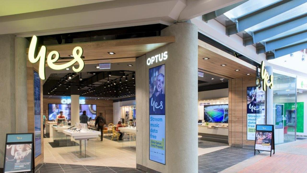 Optus have rolled out a new deal to deliver customers cheaper charges on their international roaming costs.