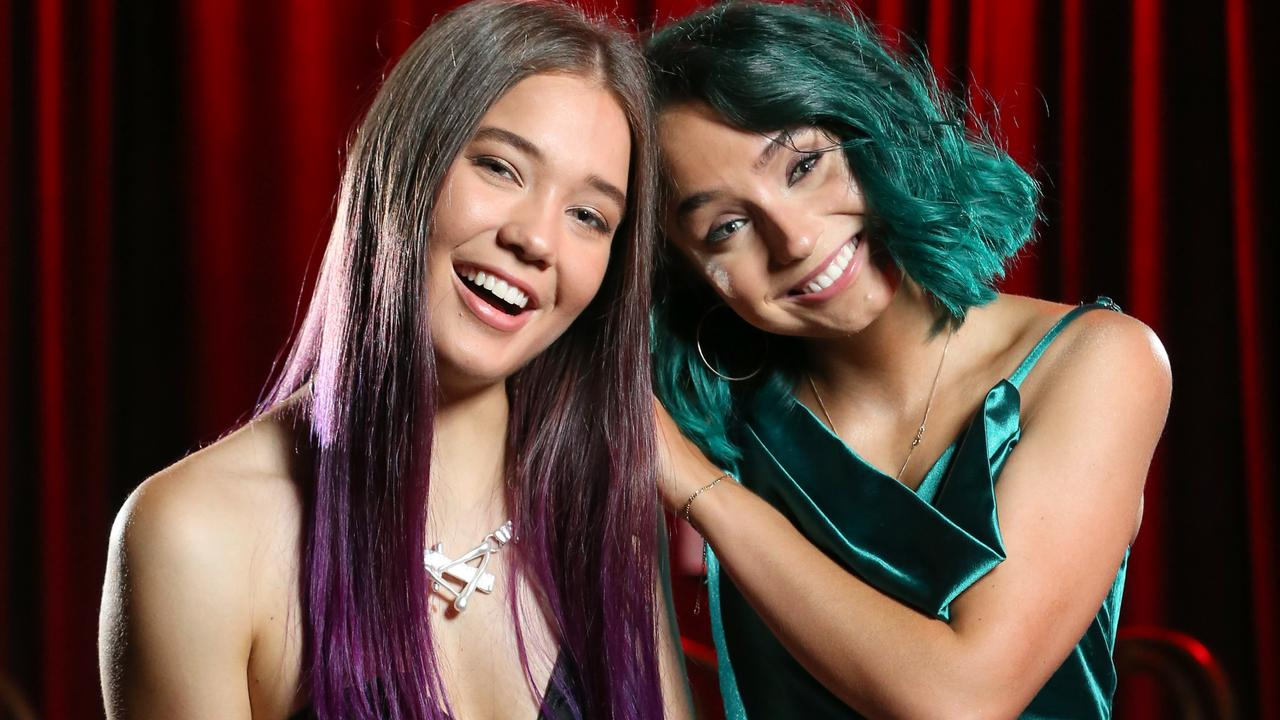Tiana Dennis, 19, (left) and Briannah Dennis, 20, of Oh Harlow at the Queensland Music Awards. Photo: Steve Pohlner