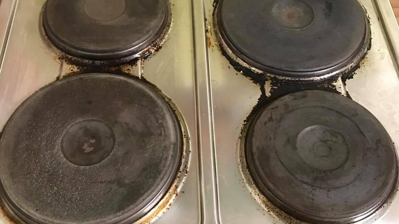 This photo of a dirty stove top posted to Facebook by a struggling mum has laid bare the realities of parenting. Picture: Facebook/Mums who cook, clean and organise