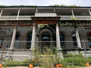 Heritage-listed building falling further into disrepair