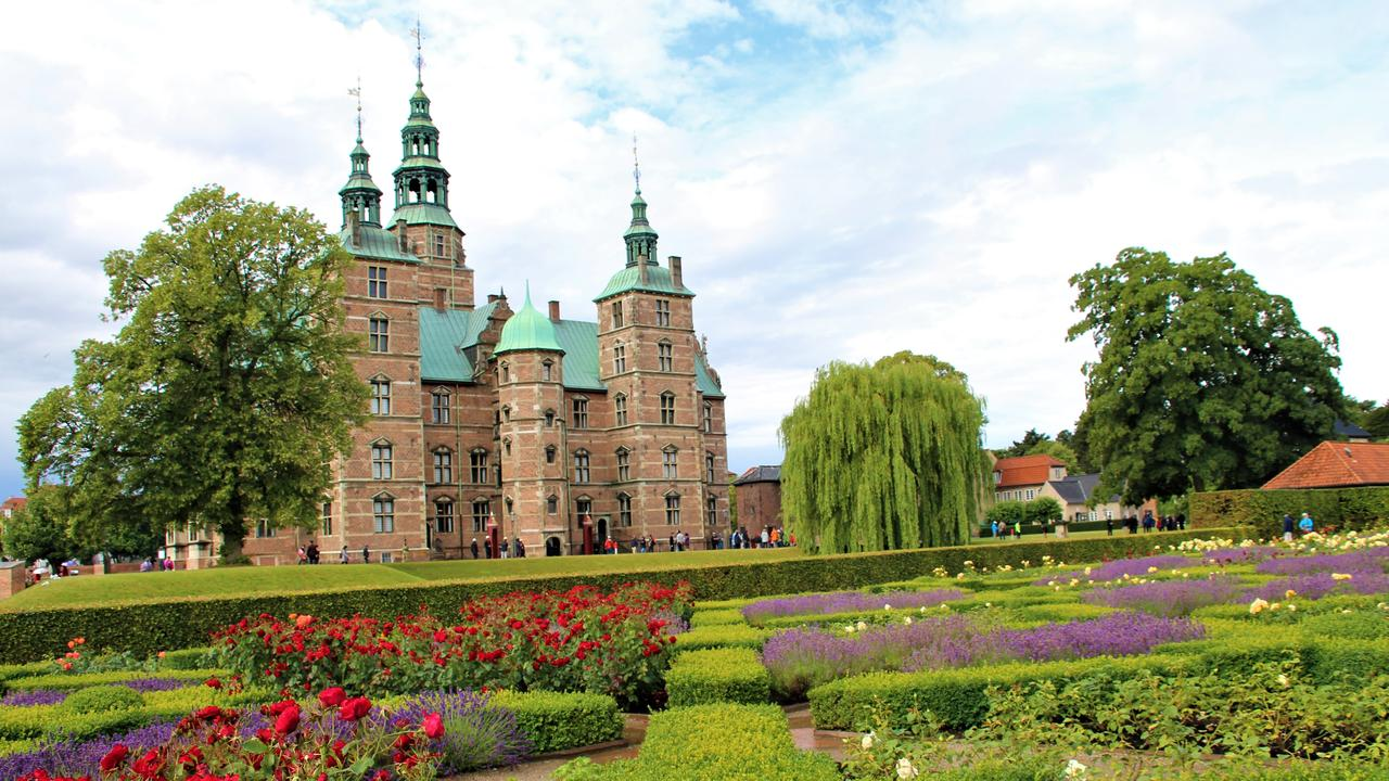Rosenborg palace and the King's Garden.