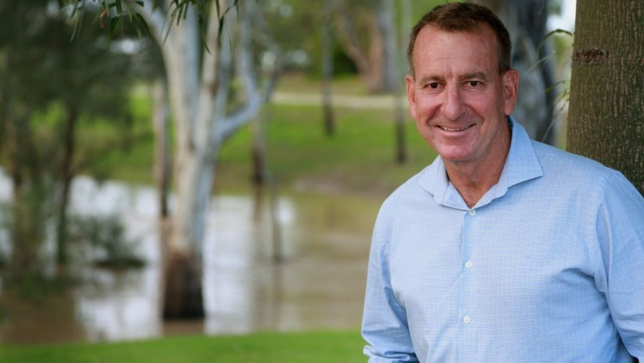 Rob Loughnan is once again standing for Maranoa Regional Coucnil mayor at the 2020 local government election.