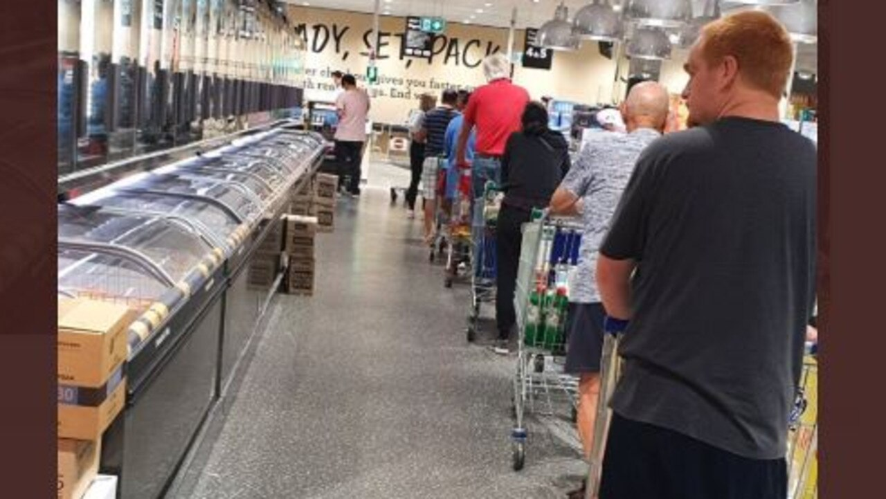 Queues at Aldi this morning for toilet paper. Picture: Irfan Virk/Twitter