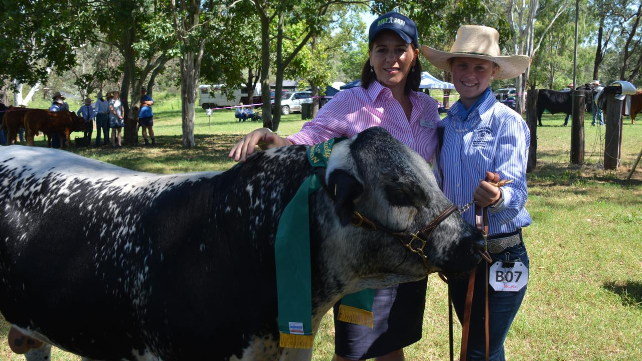 Deb Frecklington with a Kingaroy State High School agriculture student at the cattle judging at the Proston Show on March 7, 2020. (Photo: Jessica McGrath)