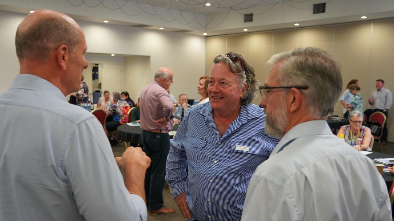 Drought Commissioner Mark O'Brien speaking with CEO of the Western Qld Primary Health Network, Stuart Gordon.
