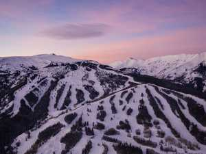 Aussies test positive for virus at ski resort