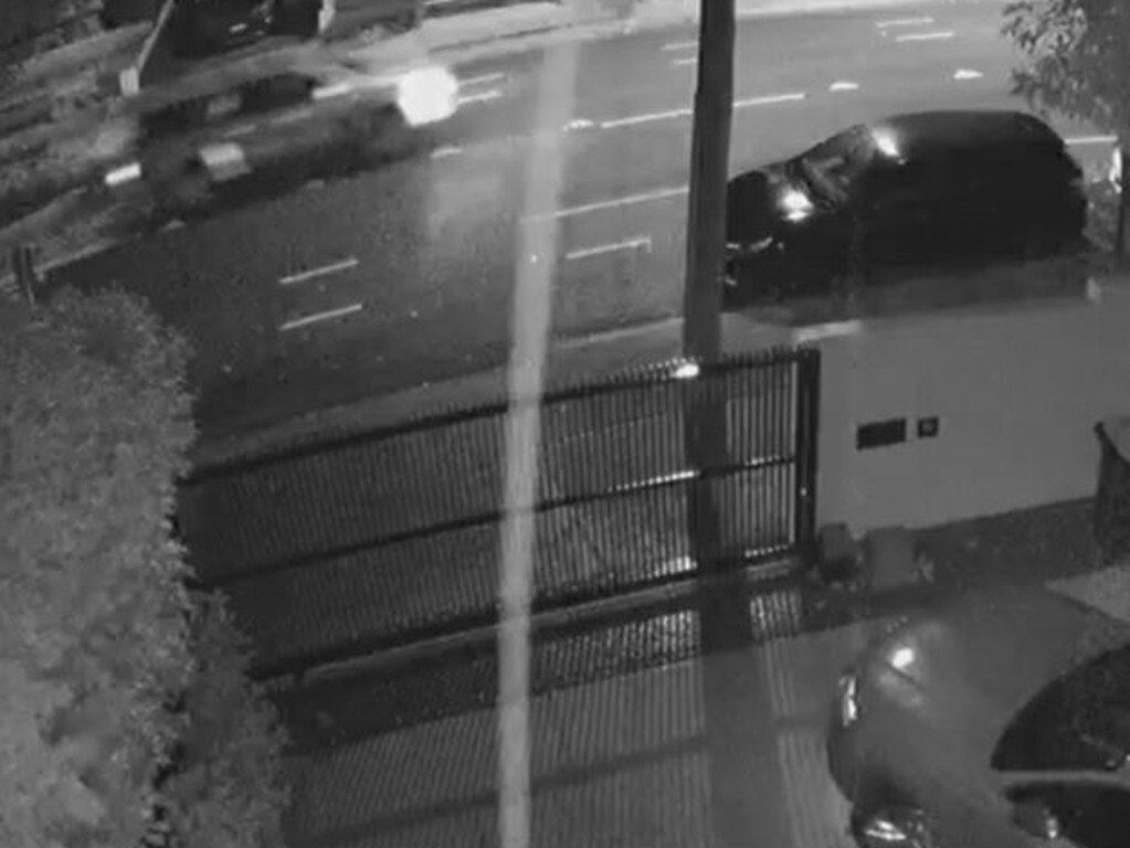 Police are trying to find the driver of this 4WD (in the top left corner) that was driving along Oliver St in Freshwater after the collision. Picture: NSW Police