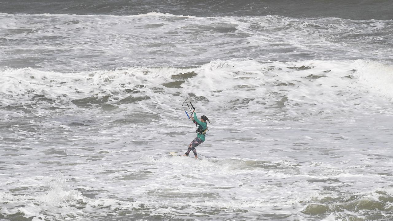 Wild and woolly surf conditions on the weekend brought kiteboarders into play on the weekend. Rising seas though have led to the Bureau of Meteorology posting a hazardous surf warning.