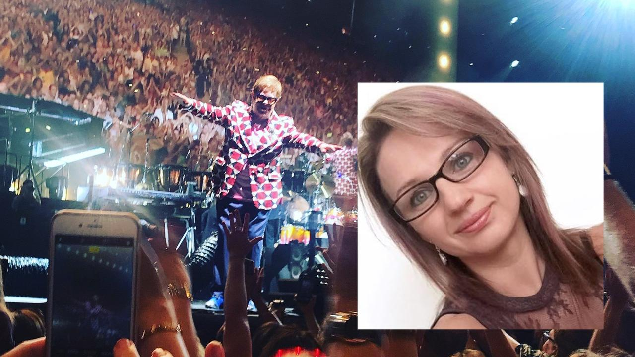 Jitka Murray slapped a woman twice for dancing at the Elton John concert.