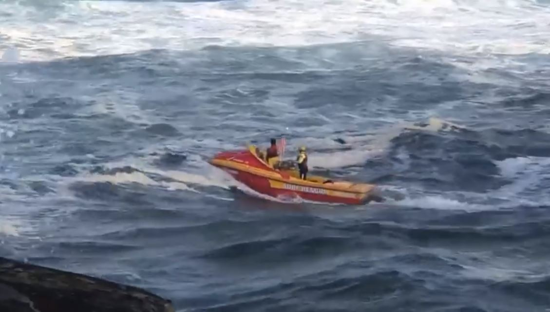 The Ballina Jet Boat Rescue crew performed a brave rescue on the Ballina bar.