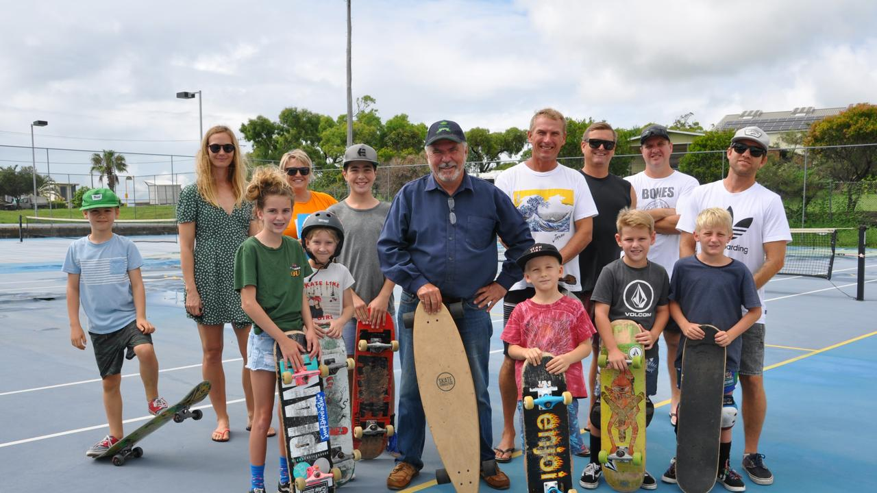 Cr Bill Ludwig and Cr Eastwood meet with skateboarders and their families to inspect a potential site for a new multipurpose competition skatepark.