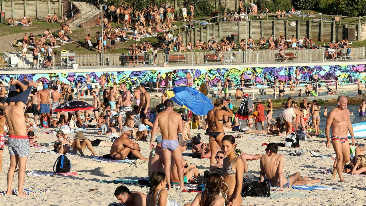 One US tourist said she wasn't worried because she believed her body could handle it. Picture: AAP/John Fotiadis