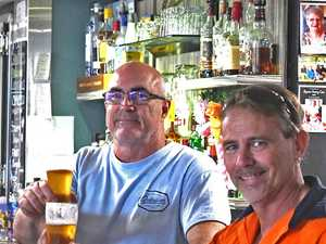 Last drinks at Charlies Hotel - Paul Pilkington and