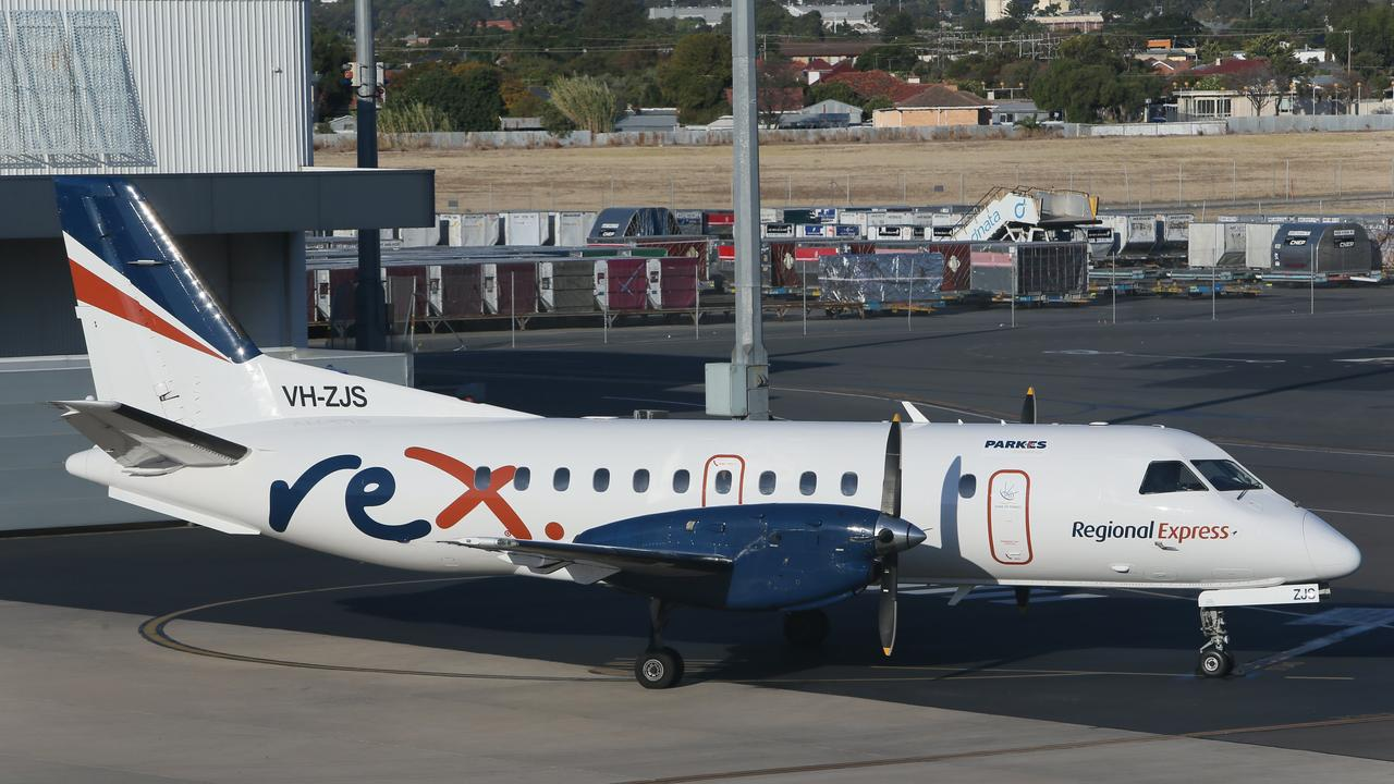 Following an emergency Board meeting on Sunday 22 March 2020, Regional Express (Rex) has announced that it will shut down its expansive Regular Public Transport (RPT) air services in all States, except in Queensland. (AAP/Emma Brasier)