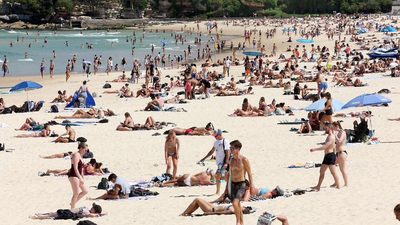 A mandatory lockdown would lower the curve and see an end to reckless behaviour. Picture: AAP/John Fotiadis