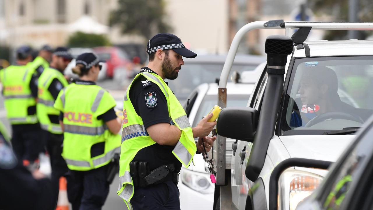 People entering Queensland will be stopped by police from 12.01am Thursday as the state's borders are closed to stop the spread of coronavirus.