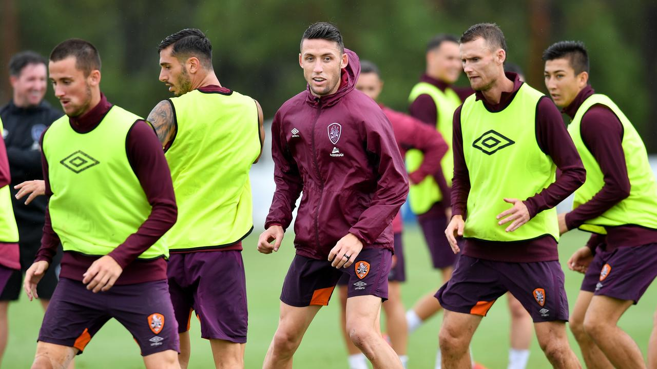 Brisbane Roar hope to train in small groups while the A-League is suspended. (AAP Image/Darren England)