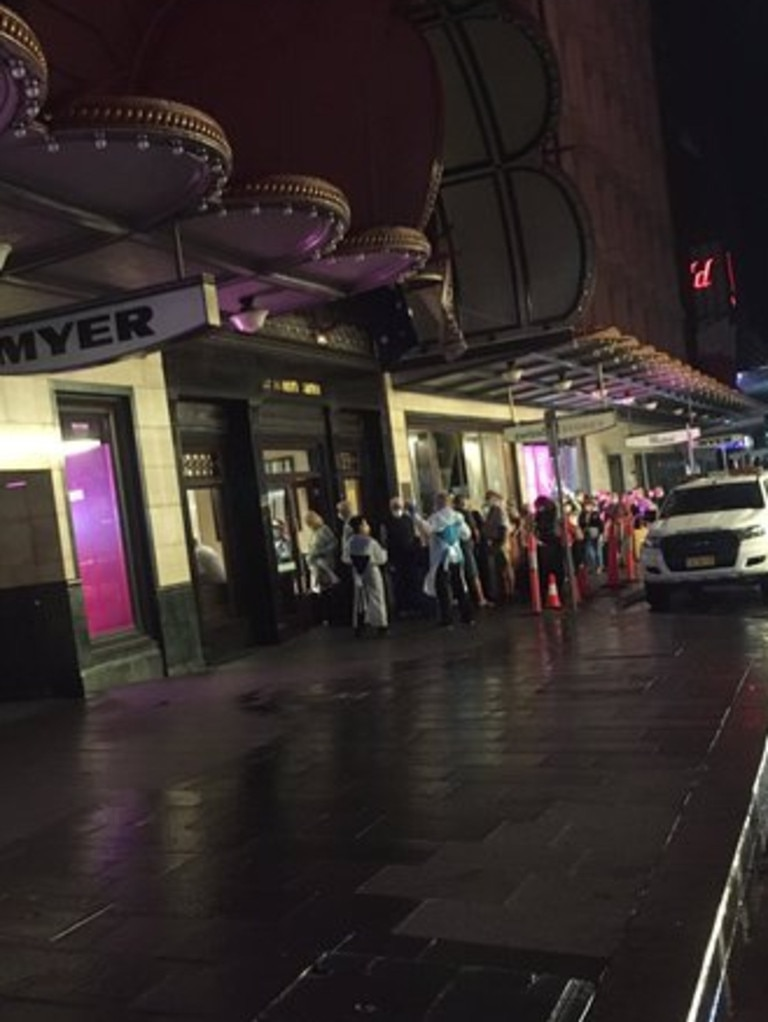 Police and medical personal escorted the passengers into the hotel early on Thursday. Picture: Twitter/@BigAlsDiners