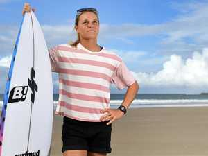 Mooloolaba surfer trains at quiet banks during tour delay