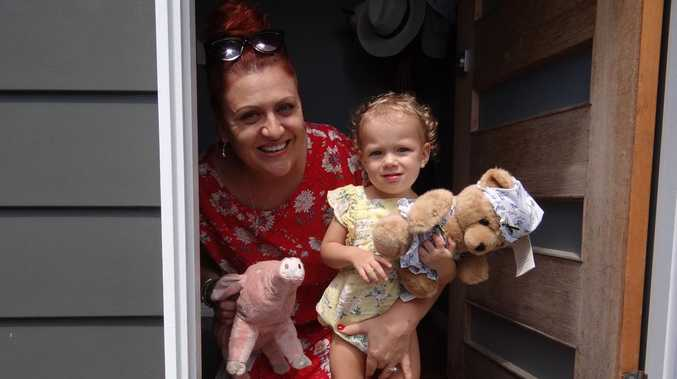 Teddy bear hunt brings Mackay closer in crisis