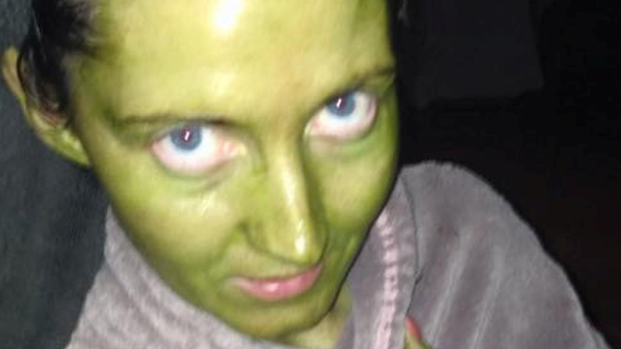 Mum turns green in awful fake tan fail.