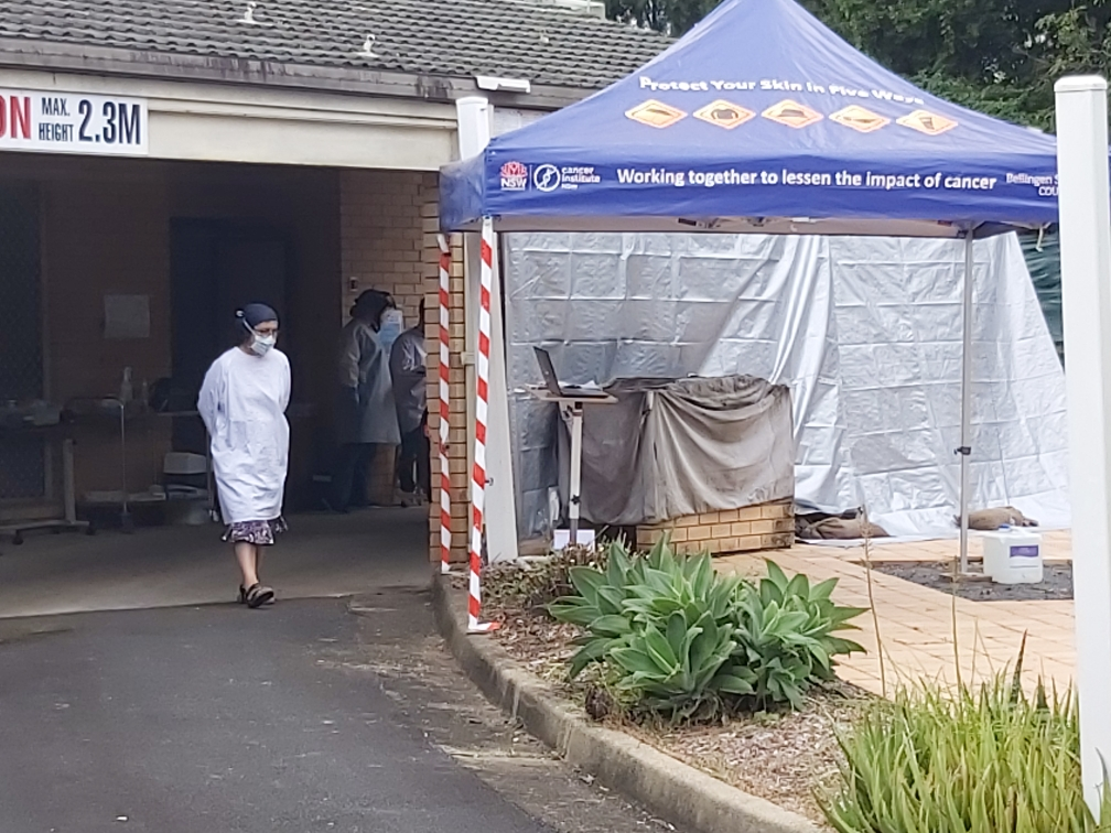 Vicki Cheney at the drive-through testing clinic in Bellingen. In the absence of government funding, the independent clinic has been jointly set up by doctors and nurses across the Bellingen Shire.