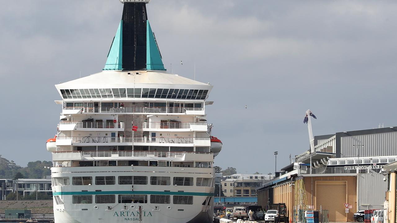 A German cruise ship that's currently docked in Fremantle is refusing to move, despite being ordered to do so by the Australian Border Force.