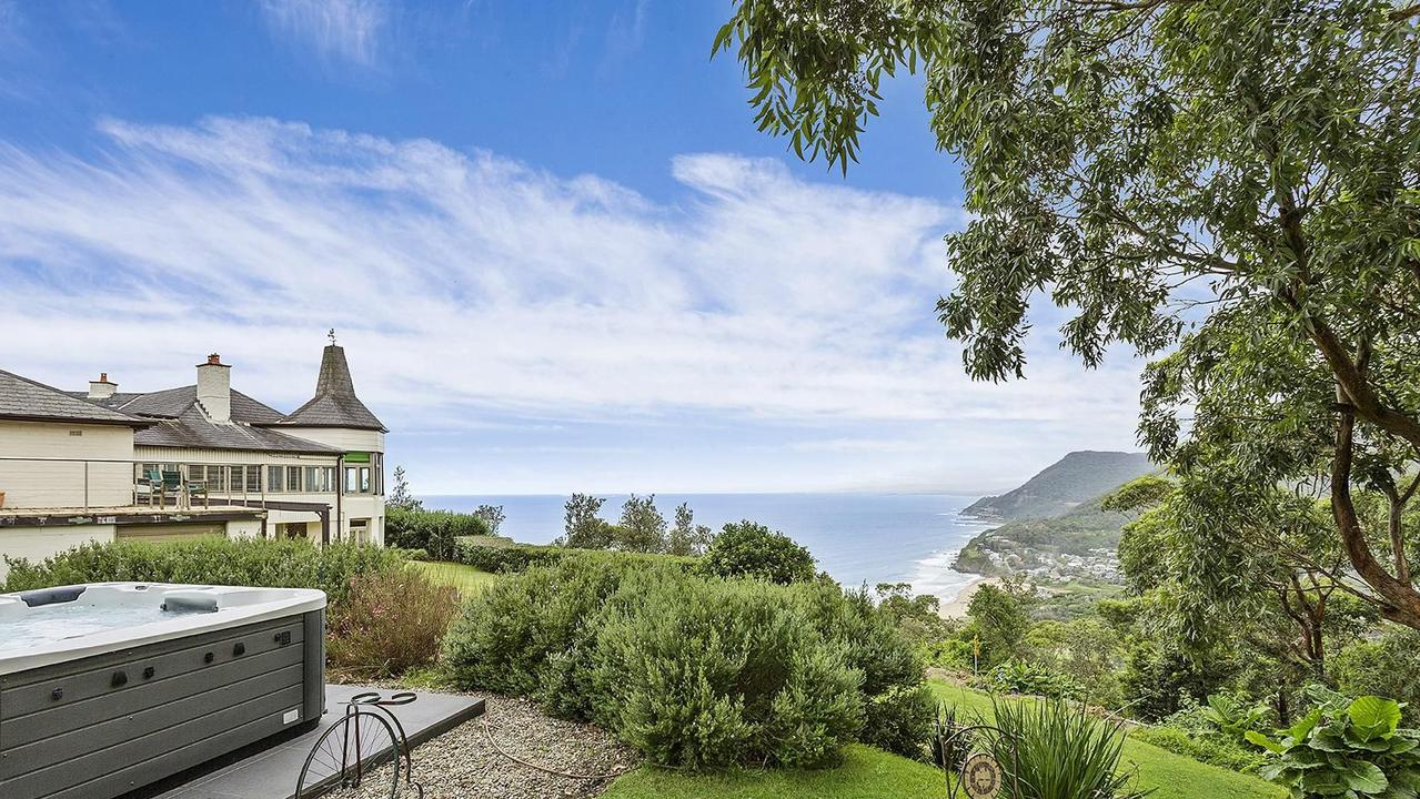 This stunning home at 8 Lawrence Hargrave Dr, Stanwell Park, is up for sale.