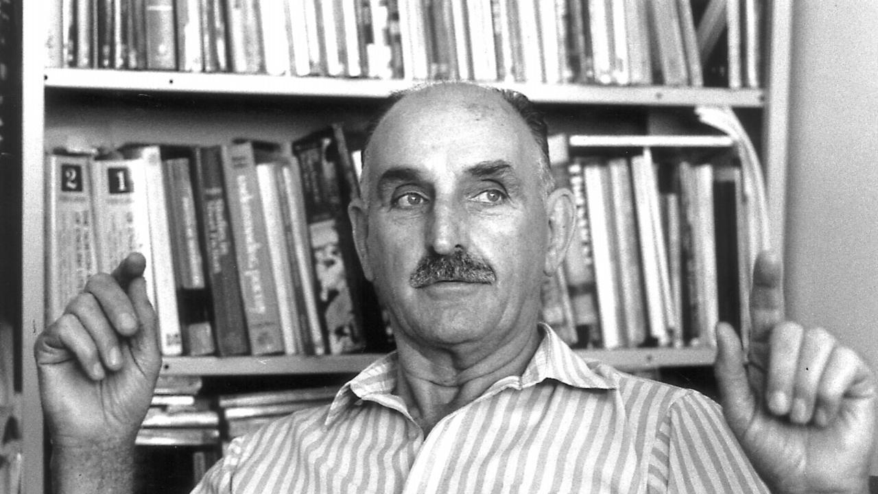 Poet Bruce Dawe in 1992.
