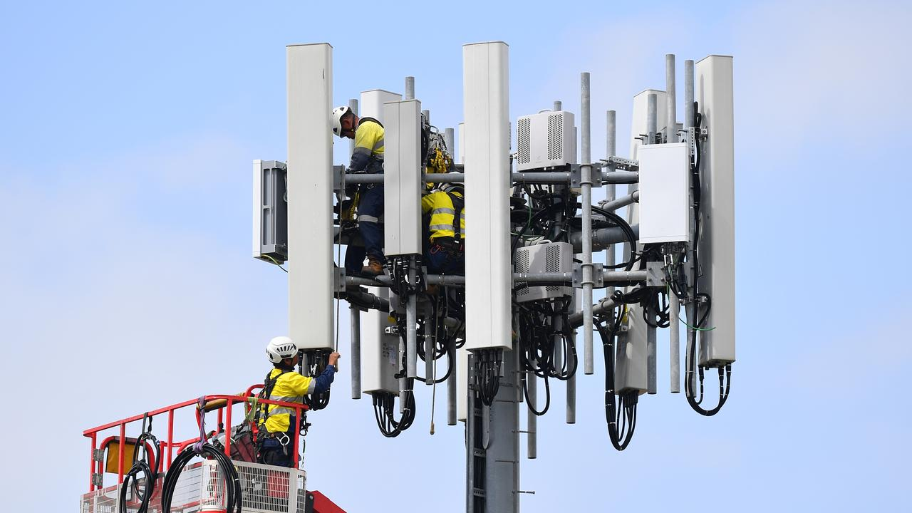 AAP FactCheck has analysed the social media post regarding the lockdown in New Zealand and the installation of 5G towers. Picture: Dan Himbrechts/AAP