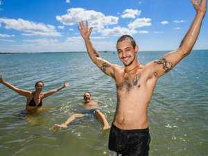 Fraser Coast beaches - Teresa, Rolf and Janik