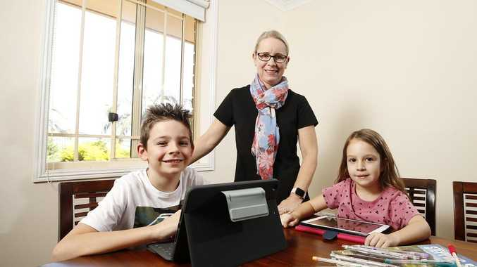 Stressed Aussie parents struggle with home schooling