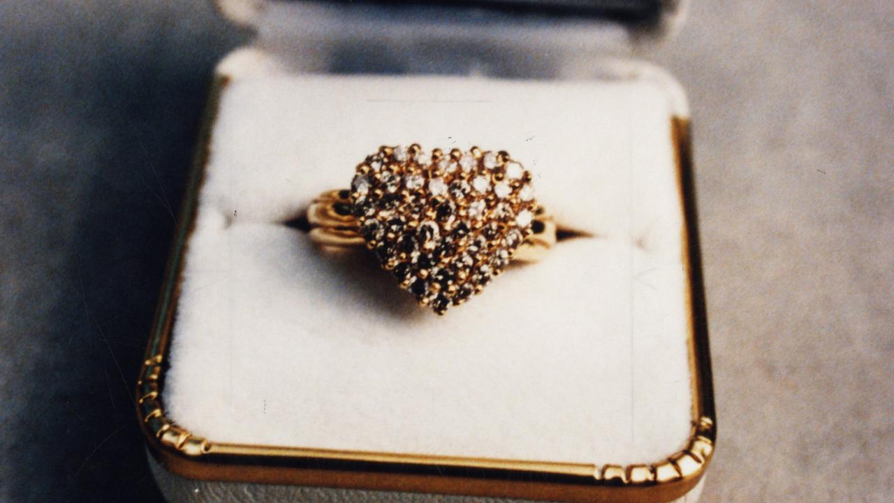 A thief who stole $40,000 worth of jewels during a 2011 heist has been jailed.