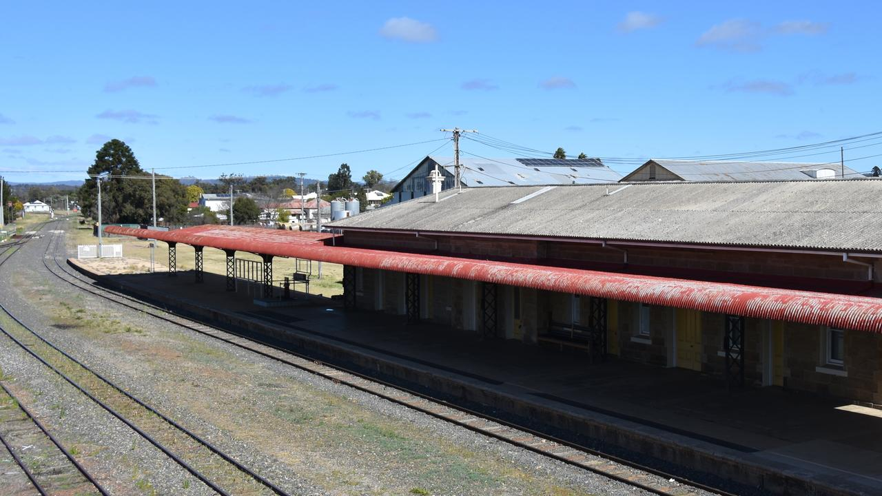 This walk finishes near the historic Warwick railway station.