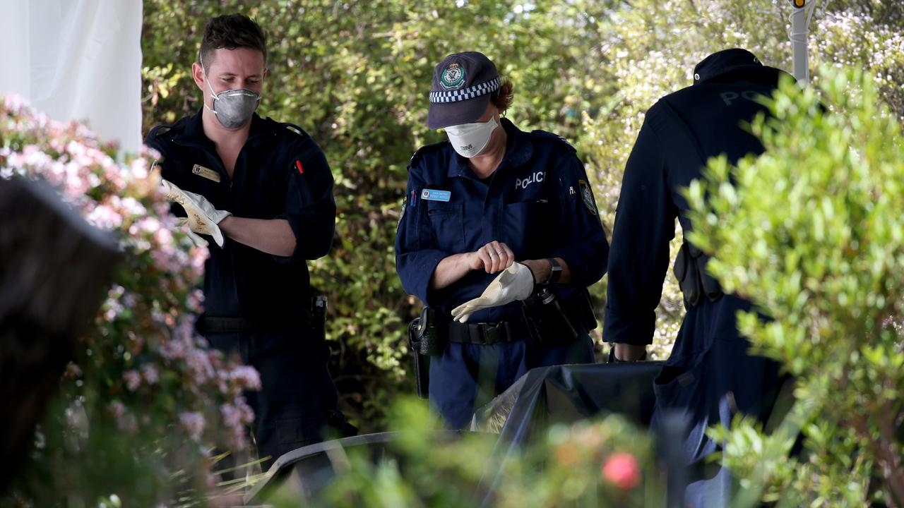 NSW Police from the NSW homicide squad conduct a forensic search at the home of Lynette Joy Dawson's former home at Bayview. Hollie Adams/The Australian