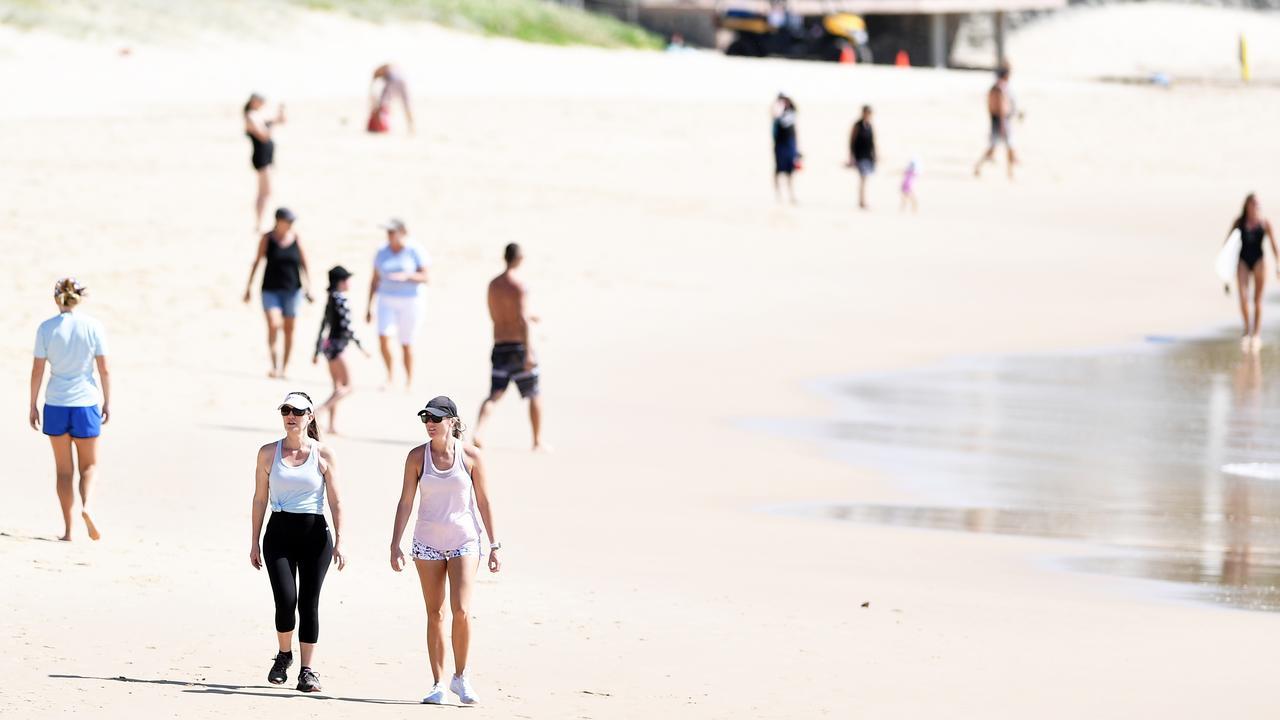 COVID-19: Social distancing at Alexandra Headland and beach. Photo Patrick Woods / Sunshine Coast Daily.